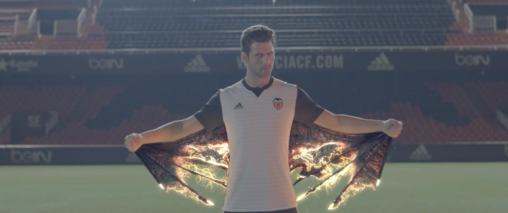 Virtual Art anuncio Camiseta Valencia CF 2017